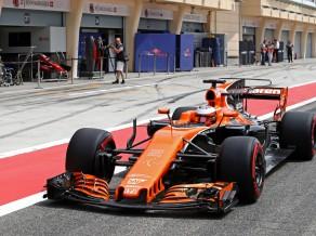 """""""McLaren"""" aizvada labāko testu dienu šogad, ātrāko laiku uzrāda Botass"""