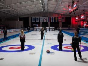 """Pirmo """"Arctic Curling Cup 2017"""" titulu iegūst mājinieku komanda"""