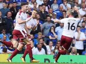 Premjerlīgas čempionu lāsts turpinās: ''Chelsea'' šokējoši mājās zaudē ''Burnley''