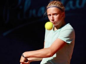 Čerņecka otrās kārtas mačā zaudē izsētajai tenisistei