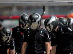 """Bruņoti noziedznieki Brazīlijā aplaupa """"Mercedes"""" F1 komandas darbiniekus"""