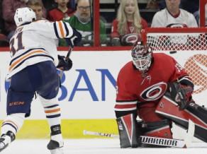 """Francijas izlasei pievienojas Edmontonas """"Oilers"""" aizsargs Ovitū"""