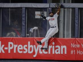 """Red Sox"" revanšējas ""Yankees"" ar 11:0"