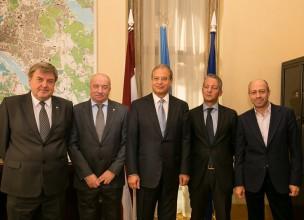 Rīgas vadība, LFF un UEFA vienojas par stadiona būvniecību