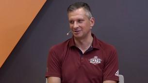 """Video: Stepītis par """"Dinamo"""" aizmuguri, labāko izklaidi pilsētā, septiņiem treneriem"""
