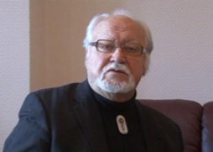 """Video: Jānis Streičs: """"Valstij ir tikai sarkanbaltsarkana čaumala, saturs ir ļaundabīgi izsūkts."""" Videointervija"""