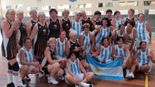 """PČ """"Maxibasketbolā"""" dāmas izcīna trešo vietu pasaulē"""