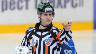 Hokeja tiesnesis Odiņš spēles laikā lauzis kāju