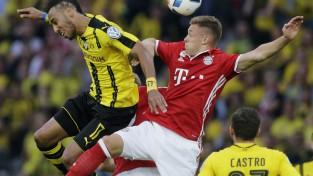 """""""Bayern"""" pēcspēles sitienos salauž Dortmundi un iegūst Vācijas kausu"""