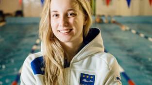 Baikova labo Latvijas rekordu 100 metru kompleksajā peldējumā