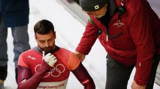 M. Dukurs pēc operācijas atsācis skriet, renes sportisti iemēģina estakādi