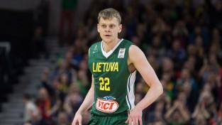 Adomaitis atskaita sava kluba spēlētāju, Lietuvai jāatrod vēl divi liekie