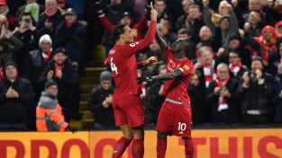 """""""Liverpool"""" ātri gūst divus vārtus un grandu mačā uzvar """"Manchester City"""""""