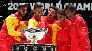 Pirmajā Deivisa kausa izcīņā jaunajā formātā Madridē uzvar Spānijas izlase