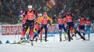 Šveicei vēsturisks pjedestāls, spraigā cīņā stafetē dāmām triumfē Norvēģija