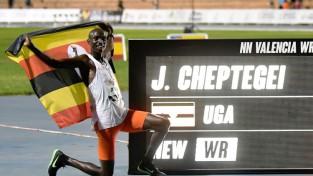 Valensijā laboti ilggadēji pasaules rekordi 10000m un 5000m skrējienos