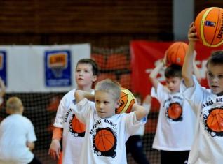 """Basketbols aicina"" bērnus Saldū"