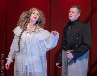 """Izcilas debijas operetē """"SILVA. Čardaša karaliene"""""""