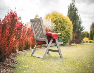 5 iemesli, kāpēc ieguldīt kvalitatīvās dārza mēbelēs
