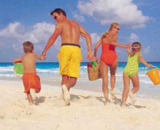 10 dažādas jautras un attīstošas spēles ūdenī ģimenei ar bērniem