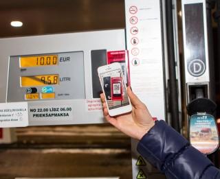 Jauns norēķinu veids ļaus izvairīties no rindām degvielas uzpildes stacijās