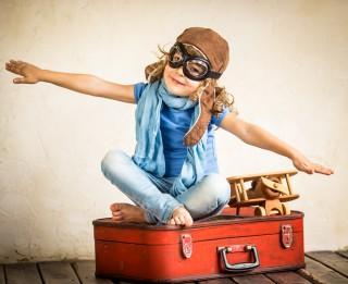 Ceļošana kopā ar mazbērniem: bērna interešu pārstāvība bez pilnvaras – neiespējama