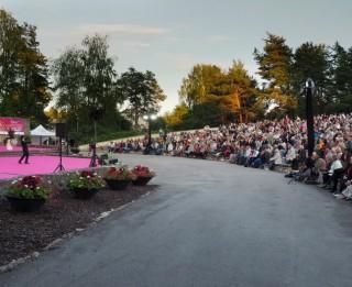 Ārvalstu solisti slavē latviešu publiku par operetes žanra mīlēšanu