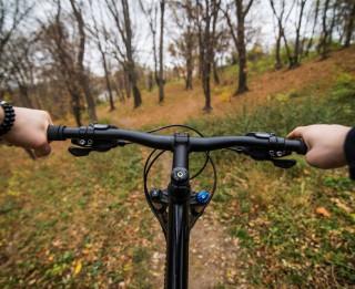 8 soļi, kā sagatavot velosipēdu braukšanai ziemā