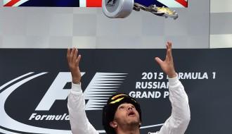 """Foto: Krievijas """"Grand Prix"""" noslēdzas ar Hamiltona uzvaru"""