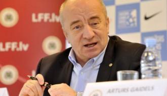 Mežeckis FIFA vēlēšanās prognozē Blatera uzvaru, neizslēdz pārsteigumus