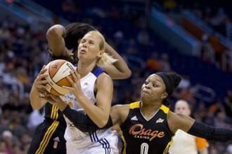 """Jēkabsone un """"Mercury"""" uzstāda jaunu WNBA rekordu - 29 uzvaras"""
