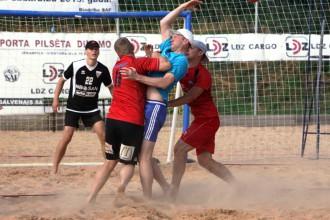 Ķīpsalā noskaidros pirmos Latvijas čempionus pludmales handbolā