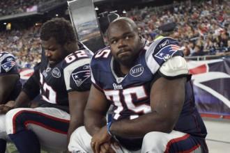 NFL zvaigzne  izglābj avārijā cietušu sievieti