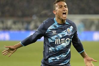 """""""Real"""" par 31,5 miljoniem iegādāsies Brazīlijas izlases aizsargu Danilu"""