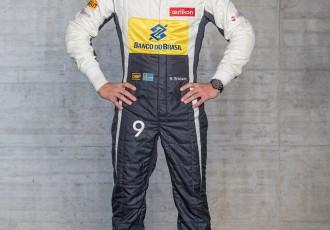 """Foto: """"Sauber"""" jaunais modelis C34 pilnībā mainījis krāsojumu"""