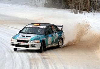 Video: Igaunijas rallijā uzvarētāja vidējais ātrums sasniedz gandrīz 129 km/h