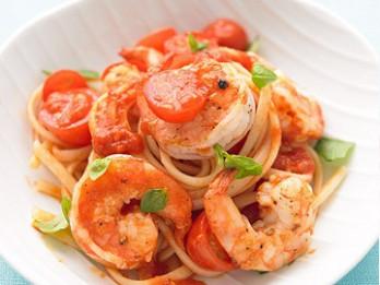 Garneles ar tomātiem itāļu gaumē