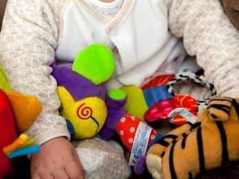 Kā pareizi izvēlēties rotaļlietas bērnam