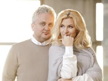 """Piedalies konkursā un laimē ielūgumu 2 personām uz  Ievas Kerēvicas un Sergeja Jēgera jauno Ziemassvētku programmu """"Debess dārzos"""""""