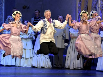 """Uzsākta tirdzniecība uz vienīgo operetes """"Jautrā atraitne"""" izrādi Rīgā"""