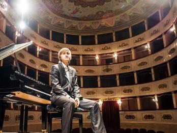 Zvaigžņu festivāla noslēgumā Čaikovska konkursa laureāts Dmitrijs Masļejevs