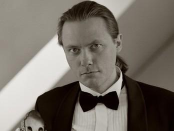 Bauskas pilī pirmo reizi uzstāsies dāņu ģitārists Mikels Andersens