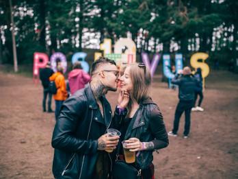 POSITIVUS FESTIVĀLA UN I LOVE YOU RECORDS GRUPU SKATE TALLINN MUSIC WEEK
