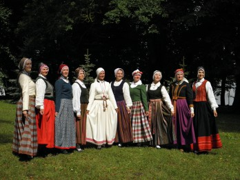 Liepājas muzeja Kurzemes tautastērpu informācijas centrs turpina sarunas par tautastērpiem pat Vidzemē