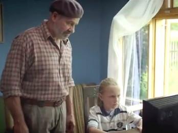 """Video: """"Vectēvs, kas bīstamāks par datoru"""" filmas fragmenti"""