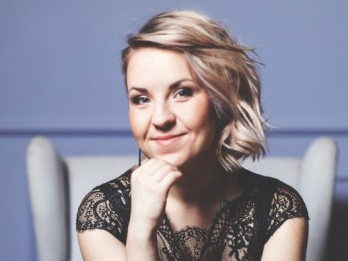 Kristīne Prauliņa izdod savu pirmo EP albumu ''A Warmer October''