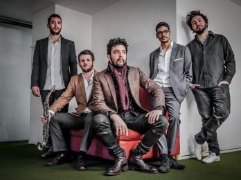 Pasaules tūres ietvaros šonedēļ Dzintaru koncertzālē uzstāsies neatkārtojamais Omera Avitala džeza kvintets no Ņujorkas