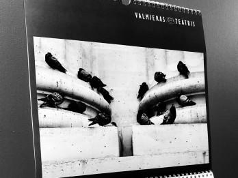Valmieras teātra 2019. gada kalendārā aktiera Mārtiņa Meiera foto darbi