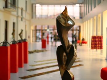 Atklāta Rotko centra kolekcijas pirmā izstāde Polijā