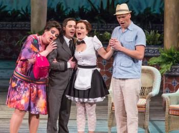 """Video: """"Figaro kāzas"""" Latīņamerikas seriālu gaisotnē. Izrādes fragmenti"""